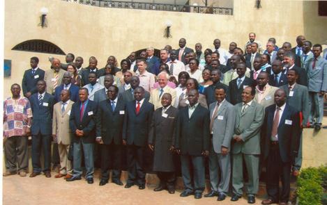 """Participants à la 5 ieme conference internationale de MAIN sur """" les facteurs externes et la                microfinance en Afrique: enjeux et defis majeurs"""" du 5-8 Mai 2008 à Imperial Royal Hotel,                                                                            Kampala-Ouganda"""
